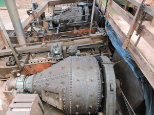 Ball mills to crush rock