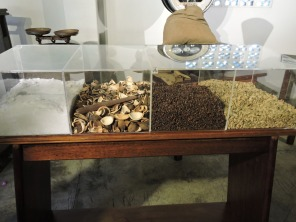 Ingrediens for the liqueur: sugar, peels, cloves and almonds