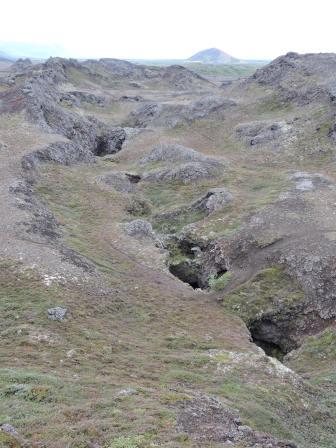 8 KM-long fissure in Vatnajökull National Park