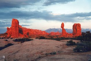 Arches National Park: sunset picnic May 97