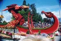 The 2005 parade theme was family.